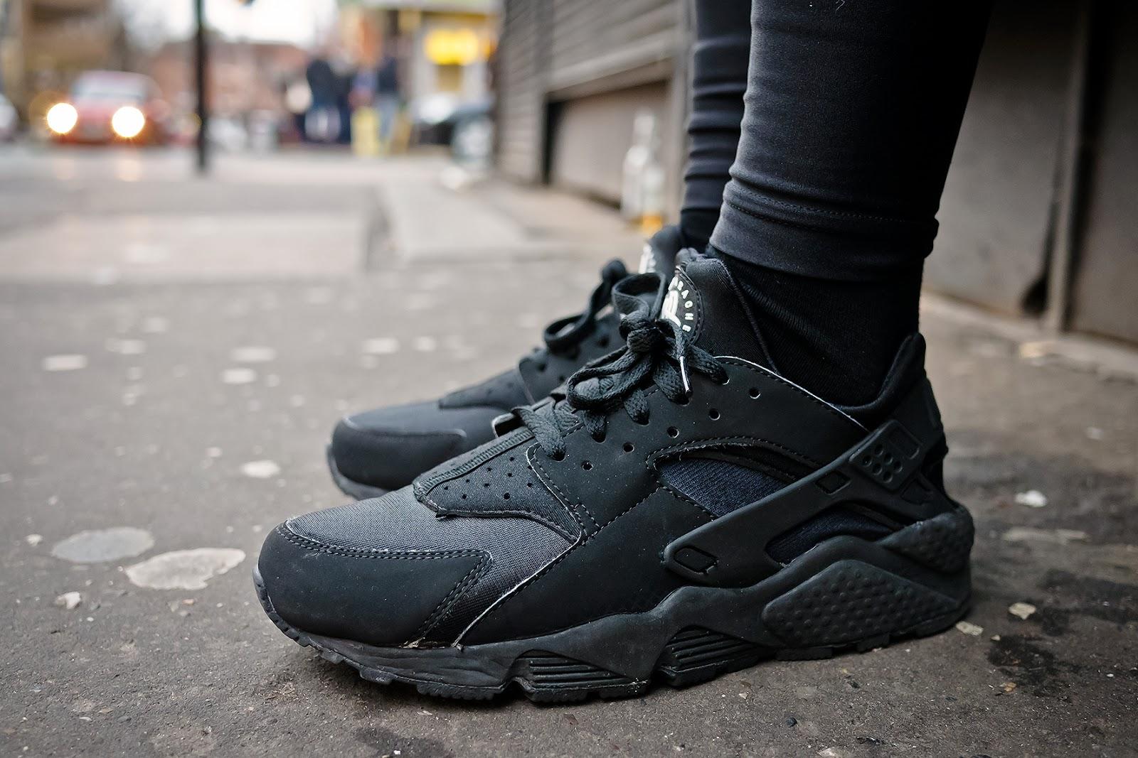 air huarache all black
